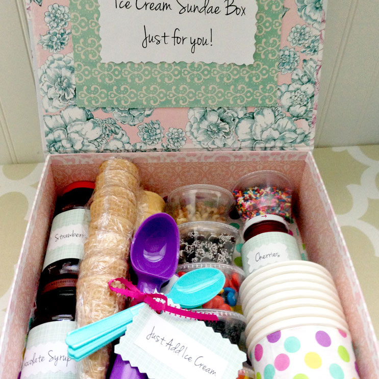 DIY ice cream sundae box, photo