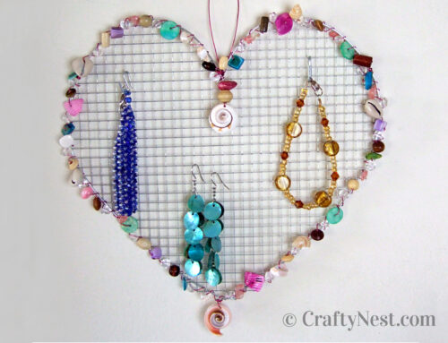 Camp craft: wire mesh jewelry holders with beads