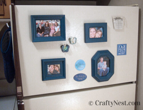 Mini magnetic picture frames