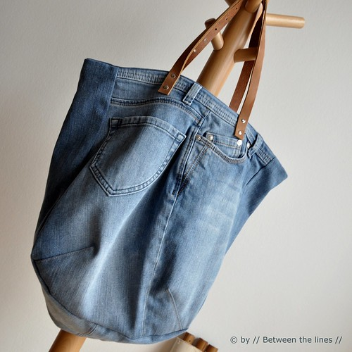 Tote bag made from old jeans, photo