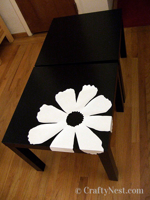 Tape the pattern to the table, photo