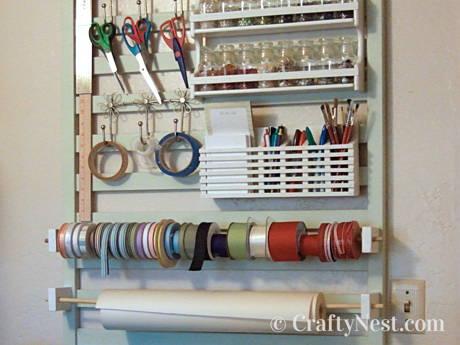 Crafting wall organizer, photo