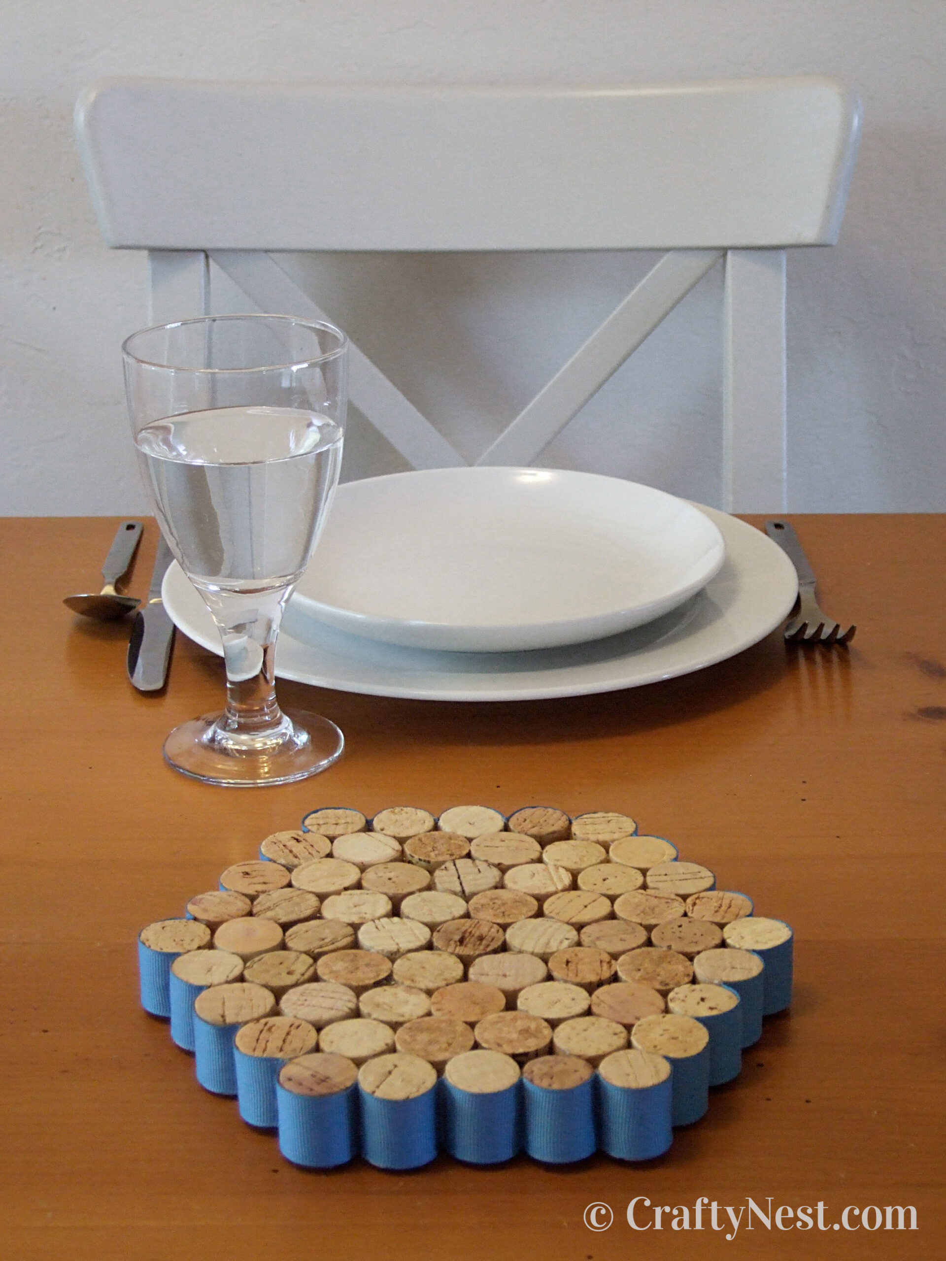 Trivet made out of wine corks, photo
