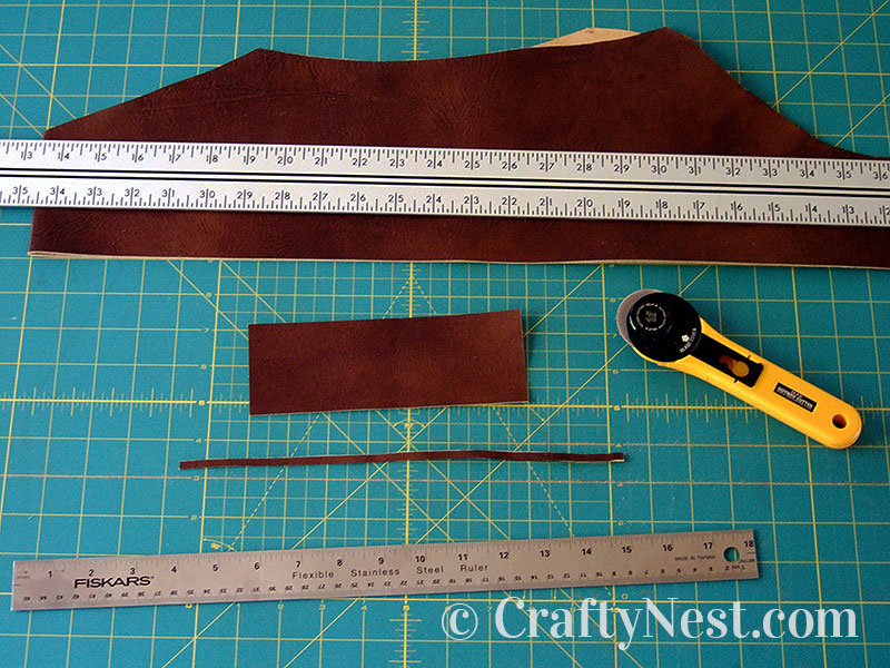Cut the main piece of leather, photo
