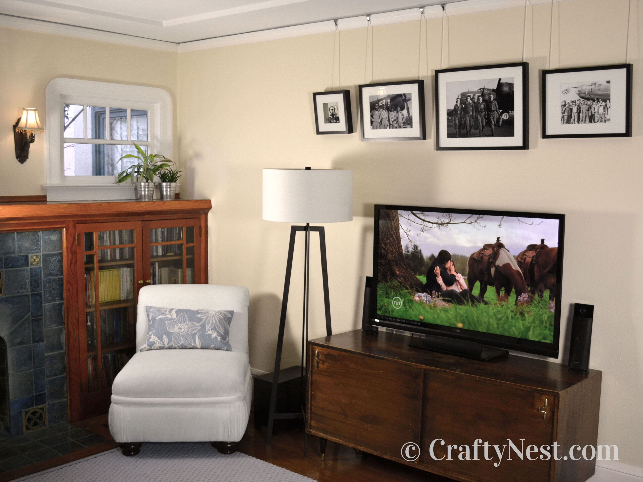 Cream wall in living room, photo