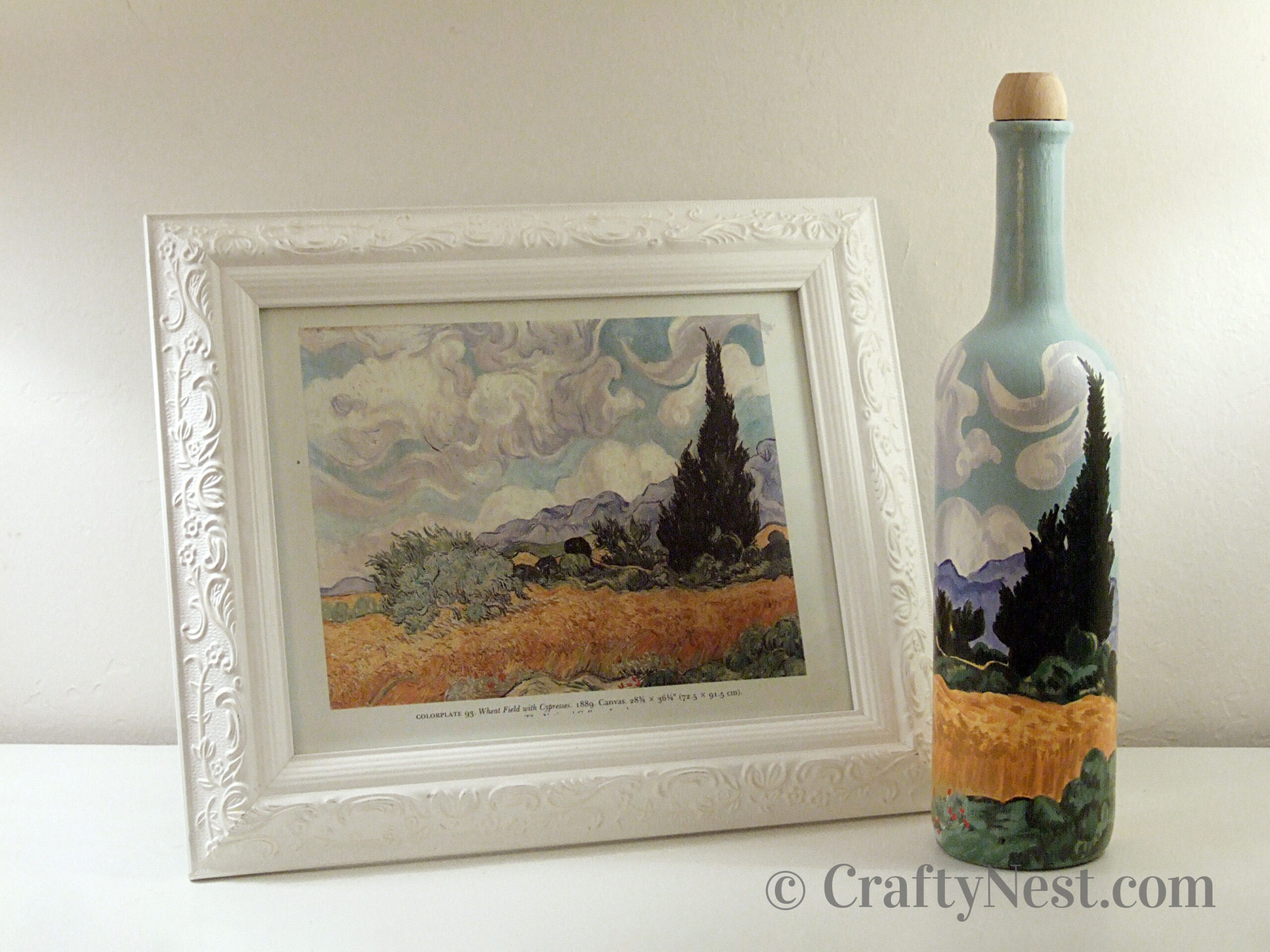 Van Gogh painted on a wine bottle, photo