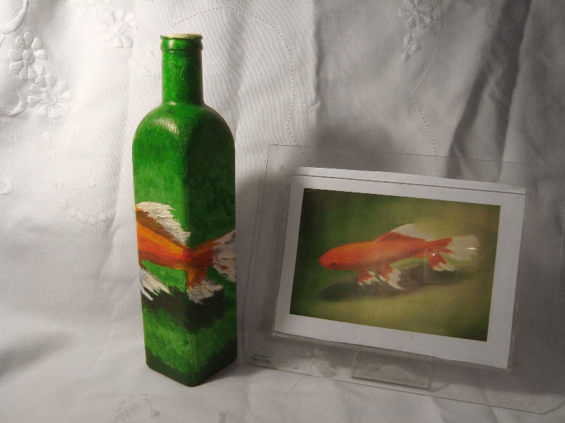 Lúcia Russo' fish painting on a bottle, photo