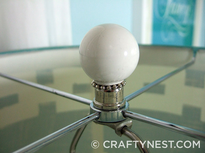 Closeup of the lamp finial, photo