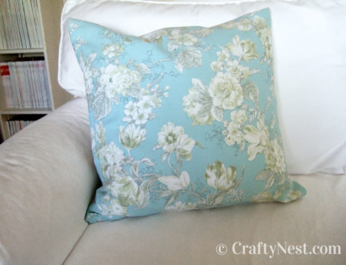 Easy DIY pillow cover with zipper
